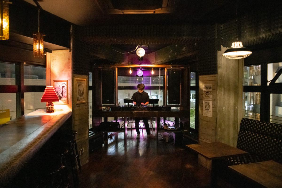 音楽と人との出会いを楽しむ、美栄橋のミュージックラウンジ「Little ROCKERS」